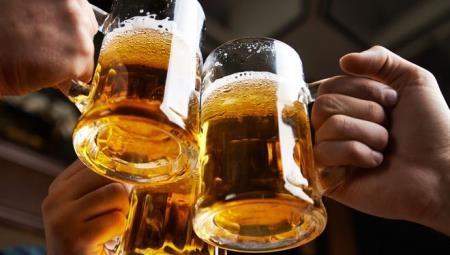 Vi sao nhieu nguoi do mat khi uong ruou bia? hinh anh 2 7.jpg