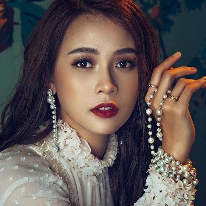 Cham nguong 30, cac hot girl Sai Thanh doi dau gio ra sao? hinh anh 9