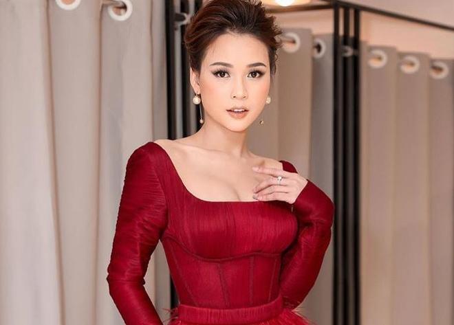 Cham nguong 30, cac hot girl Sai Thanh doi dau gio ra sao? hinh anh 6