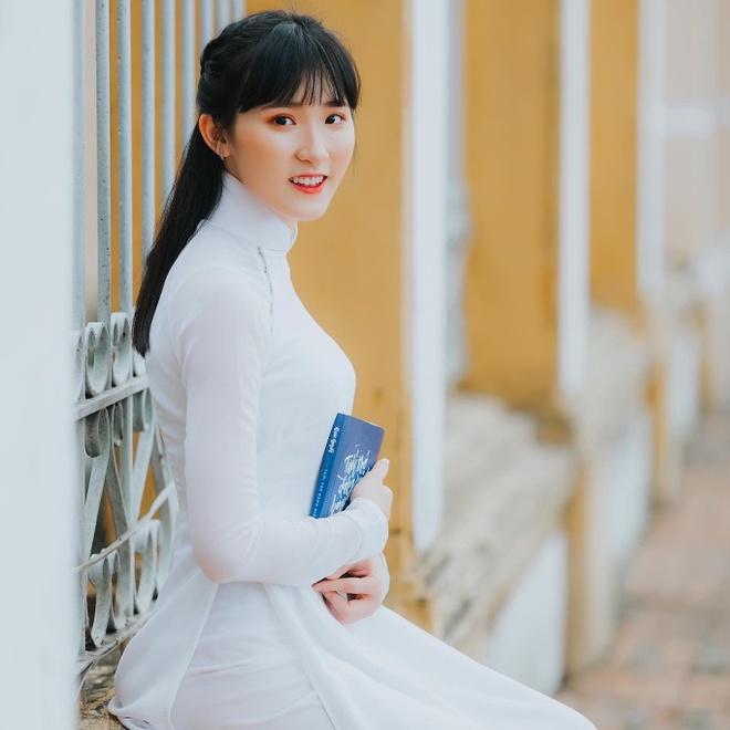 Dan hot girl DH Duy Tan toan nguoi dep, mau anh noi tieng Da Nang hinh anh 8