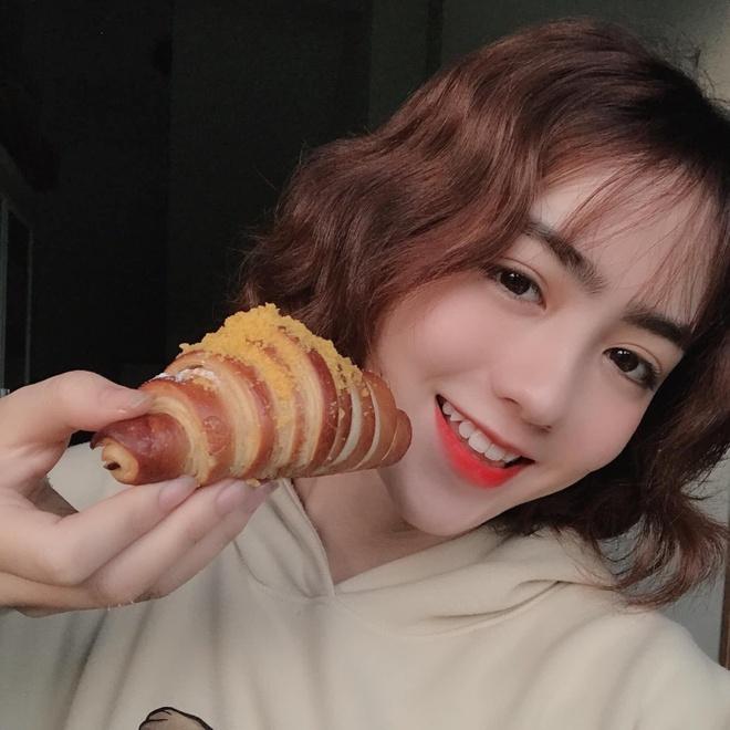 Dan hot girl DH Duy Tan toan nguoi dep, mau anh noi tieng Da Nang hinh anh 15