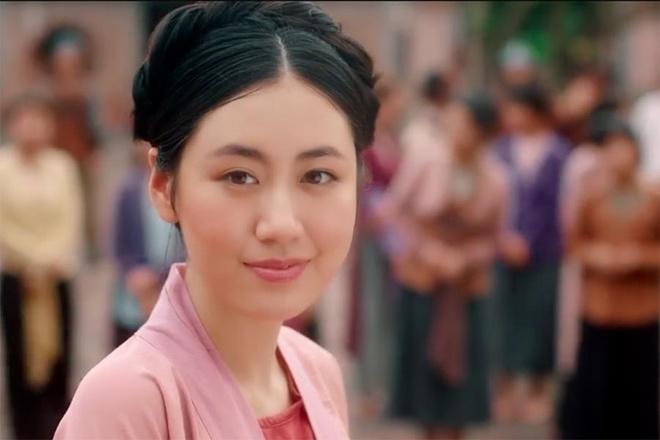 Van Trang the hien kha nang dien xuat trong MV 'Anh oi o lai' hinh anh