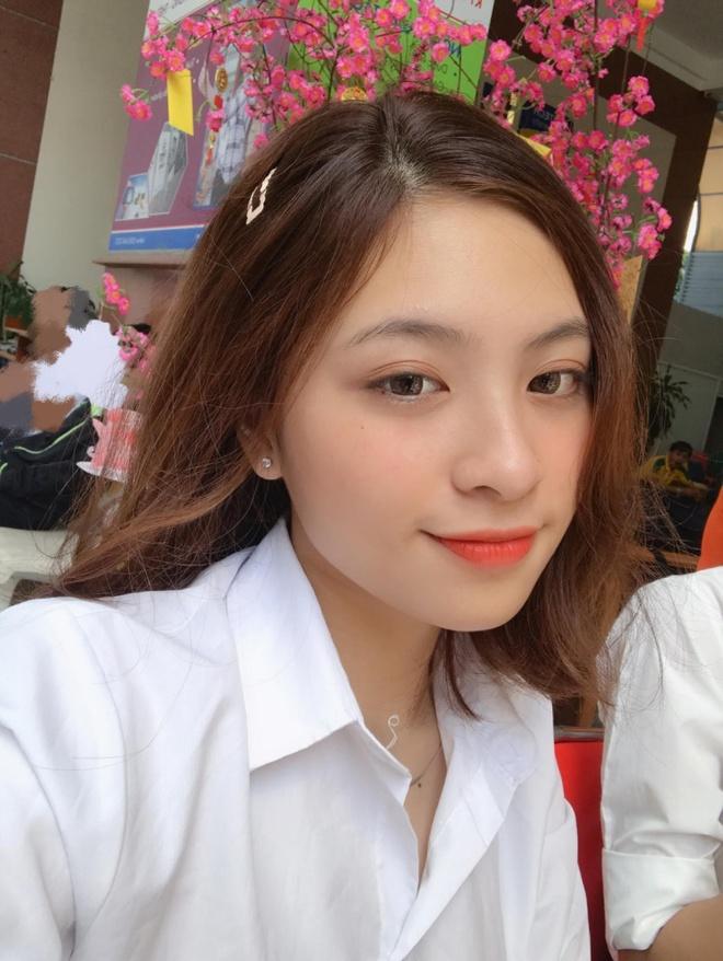 Dan hot girl DH Hutech: Nguoi co 16 HCV karate, ke la a khoi truong hinh anh 8