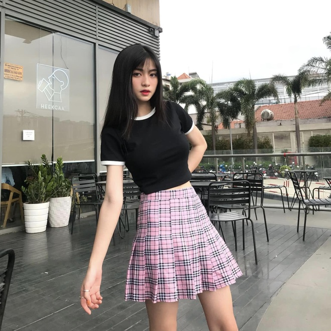 Loat hot girl sinh nam 2001 dang on tap cho ky thi THPT quoc gia hinh anh 9