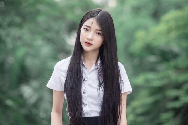 Những 'hot girl đồng phục' Thái Lan vừa trong sáng, vừa quyến rũ