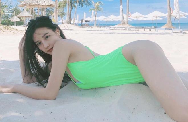 9X dong MV cua Minh Hang 'lot xac' goi cam, cham khoe anh dien bikini hinh anh 7