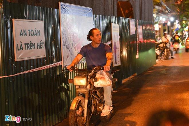 Vì sao khách Tây sợ ký biên bản vi phạm giao thông ở Sài Gòn?