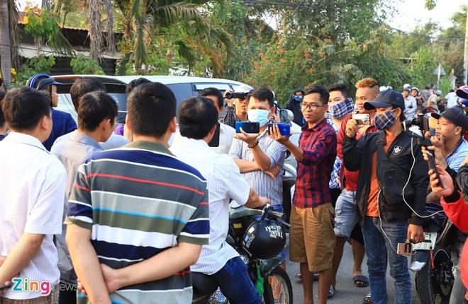 Cong dong mang len an YouTuber dang clip sai su that vu Tuan 'Khi' hinh anh 1 youtuber_zing.jpg