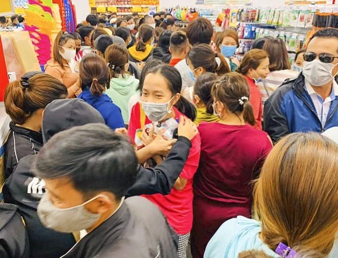 Big C Go nói về việc khách chen lấn mua sắm giữa dịch Covid-19