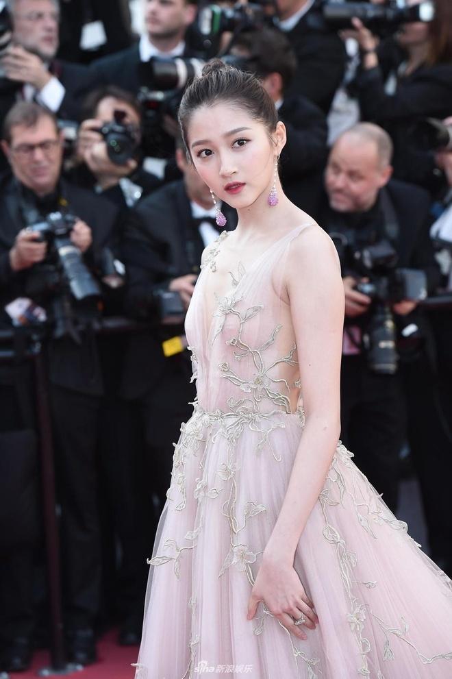 Nhung bo canh giup tieu hoa dan Quan Hieu Dong toa sang tai Cannes hinh anh 12