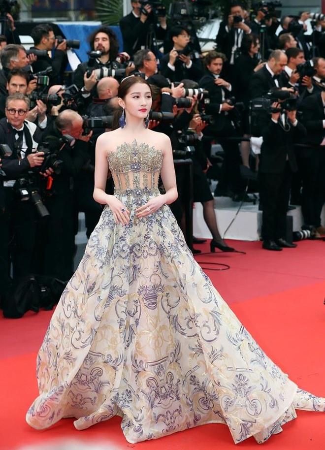 Nhung bo canh giup tieu hoa dan Quan Hieu Dong toa sang tai Cannes hinh anh 1