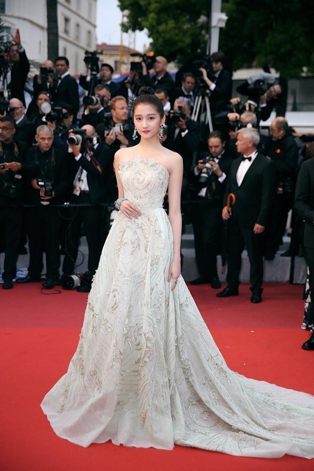 Nhung bo canh giup tieu hoa dan Quan Hieu Dong toa sang tai Cannes hinh anh 8