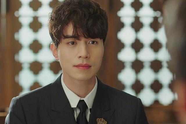 Lee Dong Wook se la ho ly nam dau tien cua man anh Han? hinh anh 2