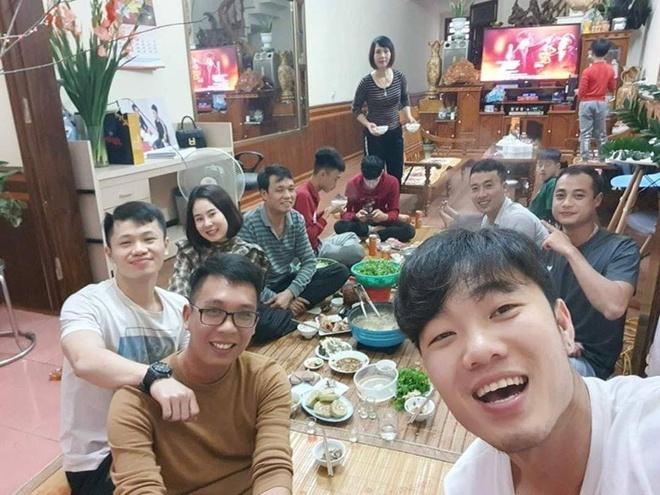 Xuan Truong cuoi hanh phuc trong dip don nam moi hinh anh 3