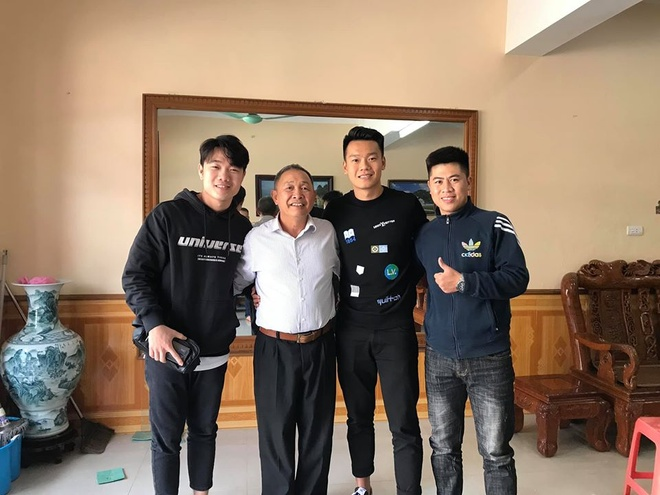 Xuan Truong cung Thanh Chung di tham thay dip Tet hinh anh 1 truong3.jpg