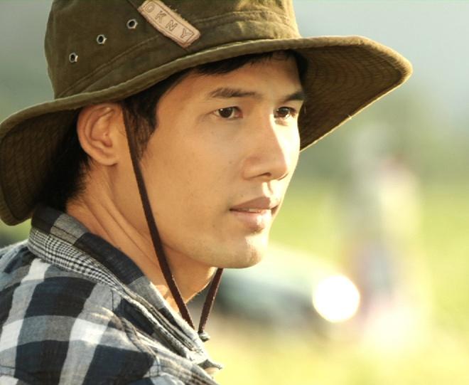 Thanh Thuc cap voi hot girl trong phim moi hinh anh 2