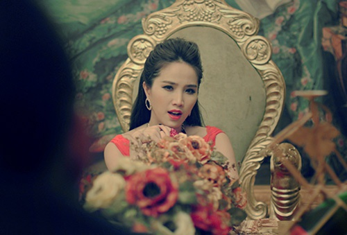 MV moi cua Khac Viet gay sot tren BXH Zing hinh anh 3