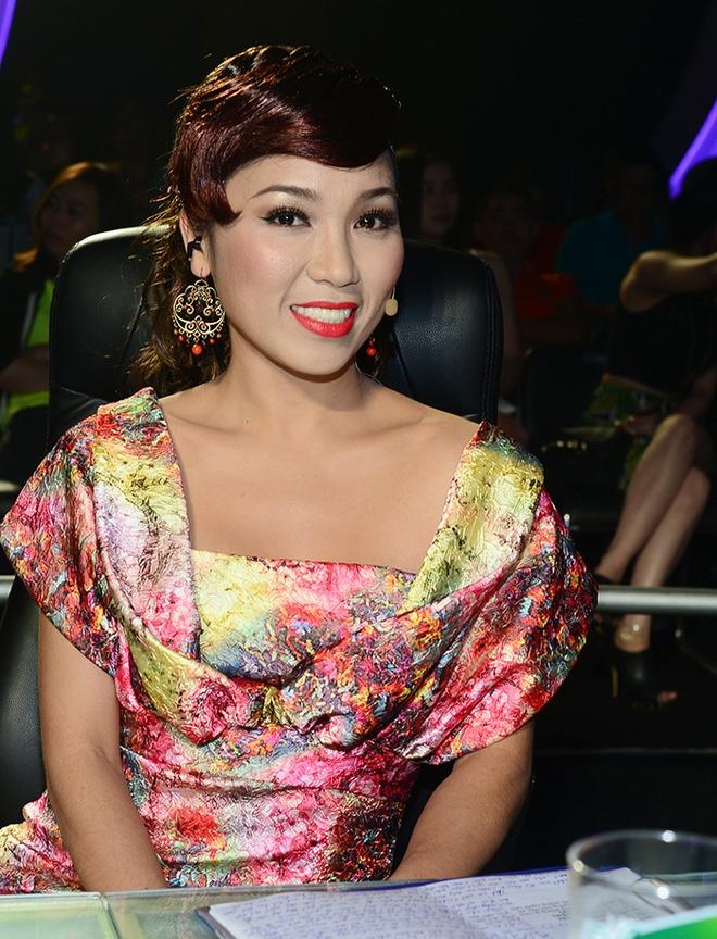 Hoai Linh roi nuoc mat vi hoan canh kho khan cua thi sinh hinh anh 28
