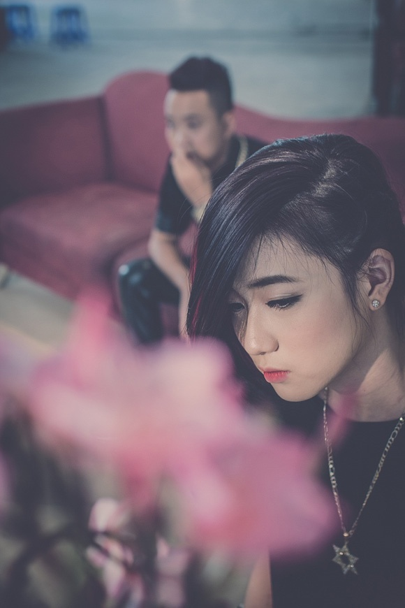 Phuong My Chi 'bo roi' Thuy Tien tren BXH Zing hinh anh 6