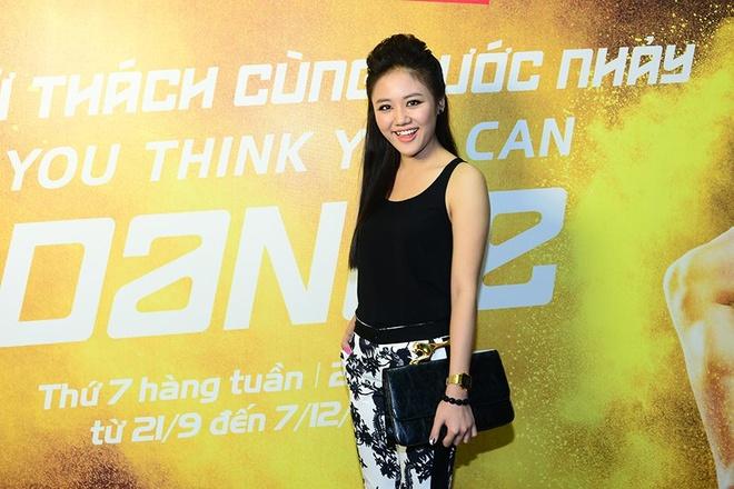 Van Mai Huong le bong di xem nhay hinh anh 2