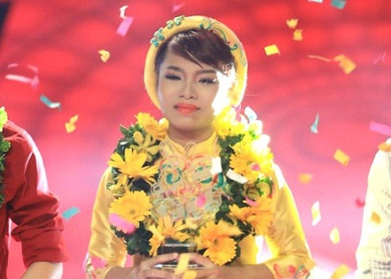 The Voice bat ngo ha guc Vietnam's Next Top Model o TV Show hinh anh