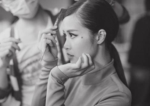MV moi cua Dong Nhi de doa 'Anh khong doi qua' hinh anh