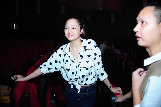 Hoang Thuy Linh, Bao Anh xinh dep tren san tap hinh anh 6
