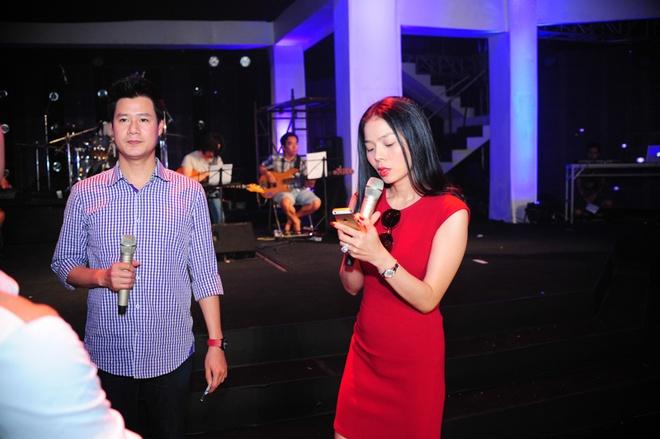 Hoang Thuy Linh, Bao Anh xinh dep tren san tap hinh anh 10