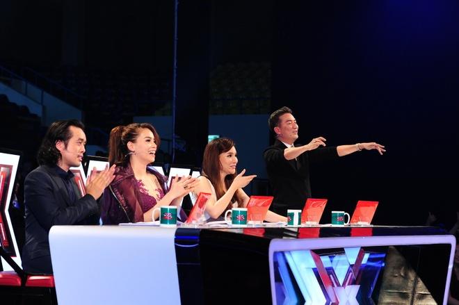 Co gai deo mat na X Factor khien Mr Dam sung sot hinh anh 1 Bộ tứ giám khảo của Z-Factor.