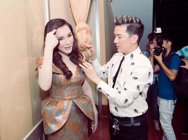 Dam Vinh Hung sua toc cho Ho Quynh Huong hinh anh 3 a