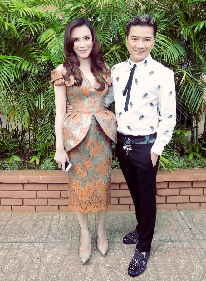 Dam Vinh Hung sua toc cho Ho Quynh Huong hinh anh 5 a