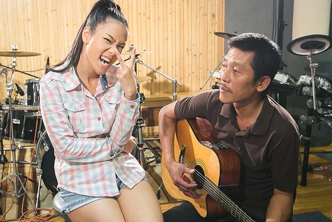 Ba Phuong Vy dem dan cho con gai thi hat hinh anh