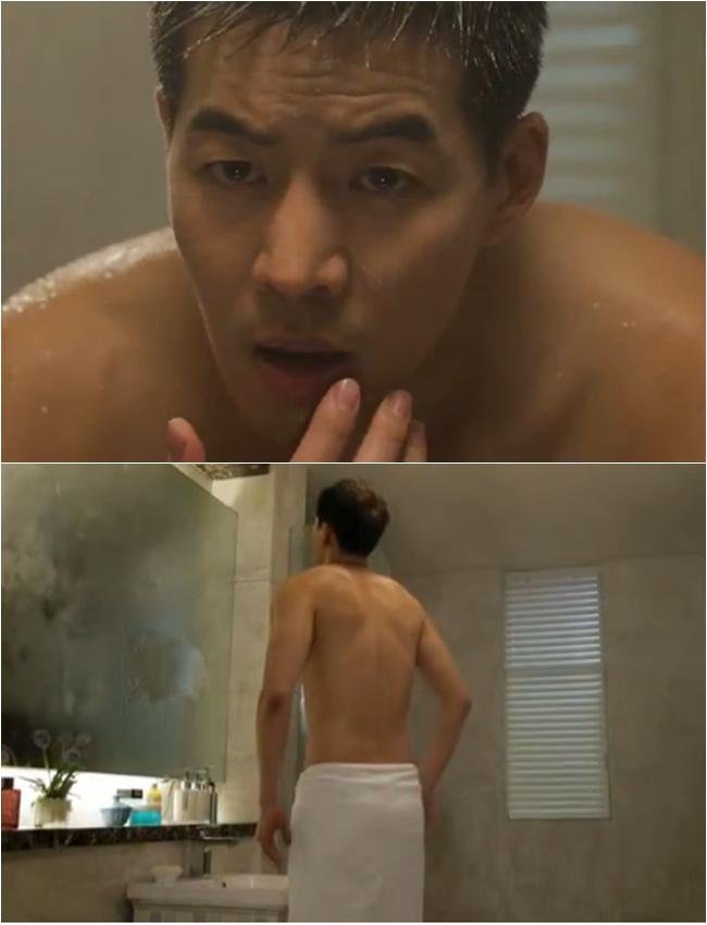 Nhung my nam Han khoe co bap khien fan me man hinh anh 7 Trong tập 9 của Angel Eyes, Lee Sang Yoon cũng có một cảnh trong phòng tắm khoe thân hình. Dù cảnh toàn thân chỉ được quay phía sau nhưng cư dân mạng cũng có rất nhiều bình luận khen ngợi nam diễn viên có tấm lưng gợi cảm.
