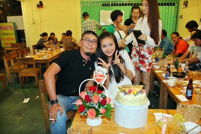 Sau khi Phan Như Thảo kết thúc những phân đoạn cuối cùng của bộ phim Gái ế kén chồng vào 8/9, cũng là ngày sinh nhật của cô nên đạo diễn Khôi Nguyên quyết định tổ chức tiệc off đoàn và tổ chức sinh nhật cho nữ diễn viên.