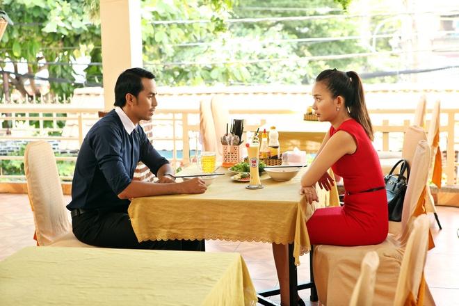 Phan Nhu Thao cap ke voi Duy Nhan trong phim moi hinh anh 2 Với cương vị trưởng phòng truyền thông, Diễm có nhiều điều kiện để kén chọn. Nhưng vì quá khó tính nên biết bao người đến rồi lại đi mà cô vẫn chưa tìm được cho mình người bạn trai đúng chuẩn.