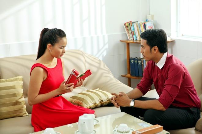 Phan Nhu Thao cap ke voi Duy Nhan trong phim moi hinh anh 9 Bộ phim dài 30 tập của đạo diễn Lê Nguyễn Khôi Nguyên, đang phát sóng chủ nhật hàng tuần trên HTV7 vào lúc 13h.