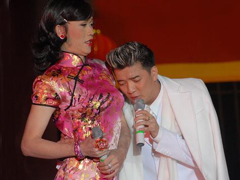 Nhung ly do khien Hoai Linh quyen luc nhat showbiz Viet hinh anh