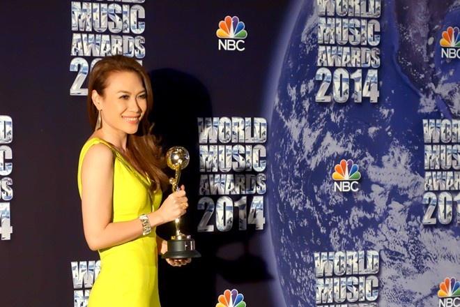 Hanh trinh den giai Huyen thoai am nhac chau A cua My Tam hinh anh 13 Tháng 3 năm 2014, Mỹ Tâm lọt vào top đề cử của giải thưởng âm nhạc thế giới (World Music Awards) ở 3 hạng mục: World Best Famale Arttist; World Best Live Act và Worlds Best Entertainer Of The Year. Tháng 5 sau đó, cô trong vinh dự nhận giải Nghệ sĩ có album bán chạy nhất trong lãnh thổ tại lễ trao giải World Music Awards diễn ra ở Pháp.