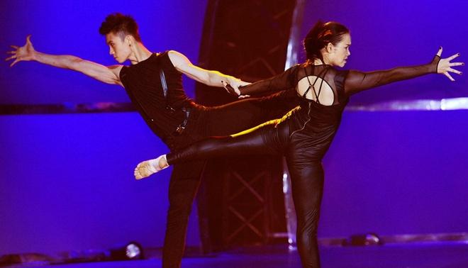 Huynh Men - Son Lam manh me voi Wrecking Ball hinh anh