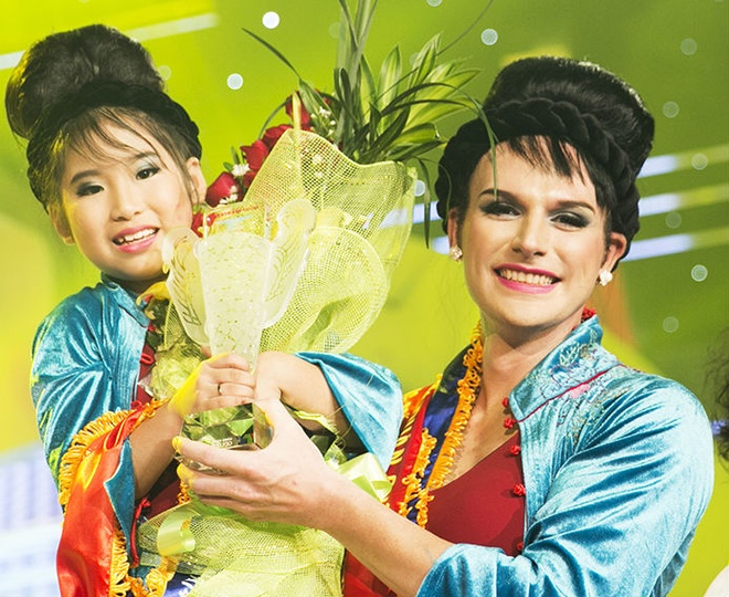 'Hong Nhung lai' len ngoi Guong mat than quen nhi hinh anh