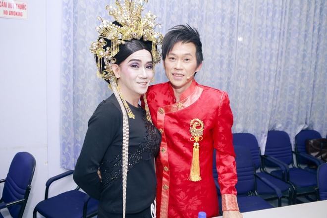 Tu Vi – Van Anh tinh tu di xem Guong mat than quen nhi hinh anh 13 8