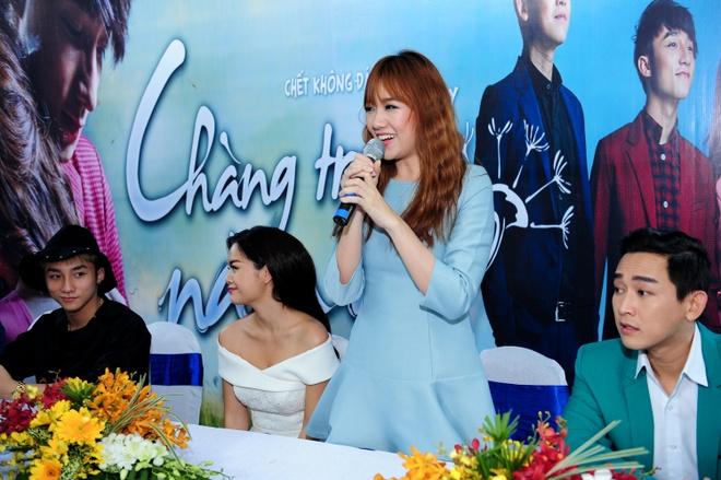 Quang Huy lanh het trach nhiem, benh vuc Son Tung M-TP hinh anh 4 Hari Won dù buồn nhưng cô có niềm tin bộ phim sẽ