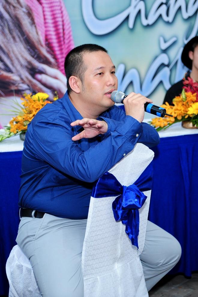Quang Huy lanh het trach nhiem, benh vuc Son Tung M-TP hinh anh 2 Đạo diễn Quang Huy