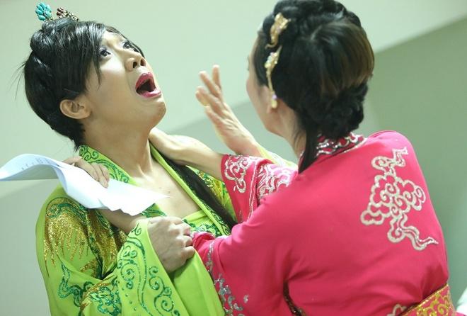 Tran Thanh gia gai me met Ngo Kien Huy hinh anh