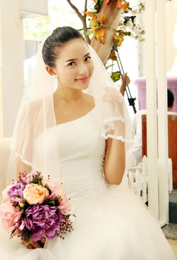 Nhung dien vien vao vai gai e cua man anh Viet hinh anh 11 Gái ế kén chồng là bộ phim truyền hình dài 30 tập, thuộc thể loại ca nhạc - hài - tình cảm với sự tham gia diễn xuất của người đẹp Phan Như Thảo trong vai nữ chính.