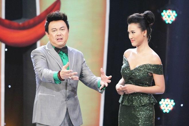 Tran Thanh lam o-sin nhieu chuyen, Viet Huong me trai tre hinh anh 1 Tập 11 Hội ngộ danh hài phát sóng tối 14/2 trên kênh HTV7, đồng hành cùng Chí Tài trong tập này là MC Hoàng Oanh.