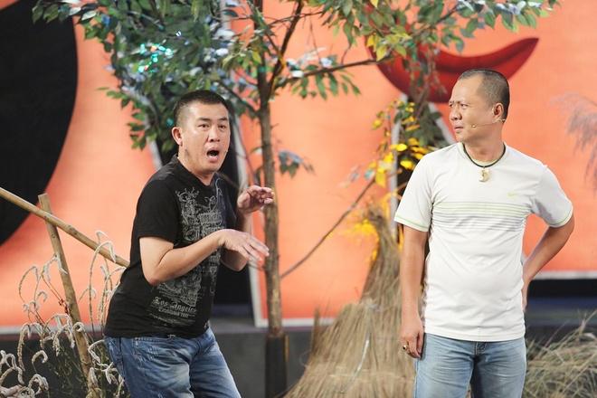 Tran Thanh lam o-sin nhieu chuyen, Viet Huong me trai tre hinh anh 11 Tiểu phẩm Đừng đùa với tình yêu do Nhật Cường, Trần Bùm và Ngọc Tiên thể hiện cũng mang lại nhiều tiếng cười ý nhị cho khán giả.