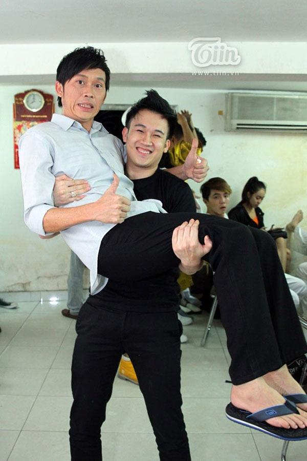 Tat xau cua sao Viet bi em ruot tiet lo hinh anh 5 Dương Triệu Vũ - Hoài Linh.