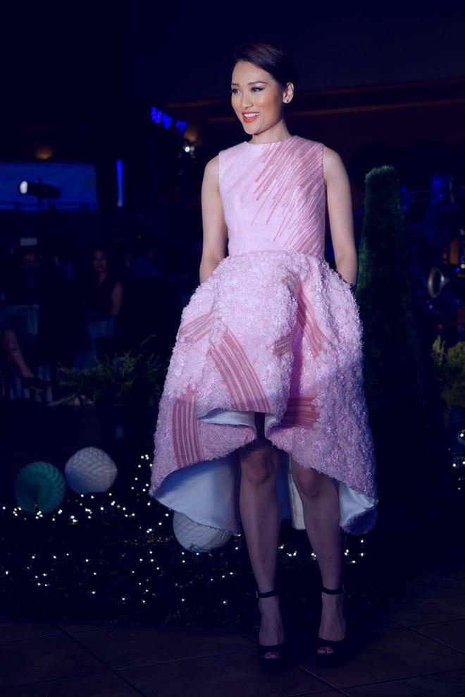 Lê Thanh Hòa trở thành cái tên quen thuộc với những người yêu thời trang những năm qua và ngày càng khẳng định vị trí, tên tuổi của mình tại Việt Nam.