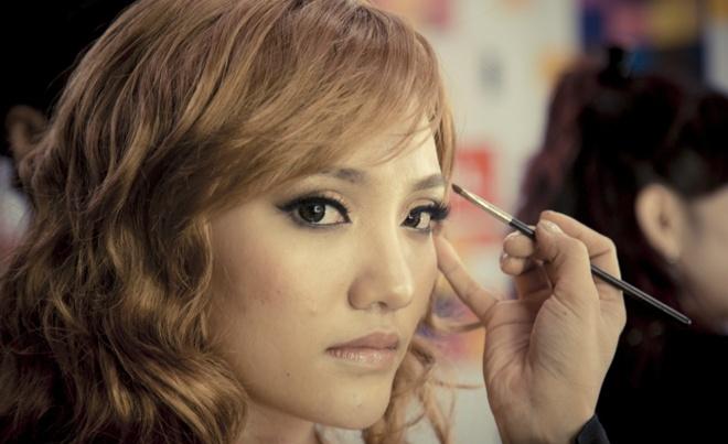 Nhat Thuy so gia Celine Dion khong dep bang Hoai Lam hinh anh